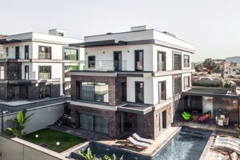 Luxusvilla in Izmir:Güzelbahce 11