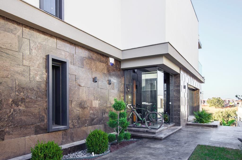 Luxusvilla in Izmir:Güzelbahce 21
