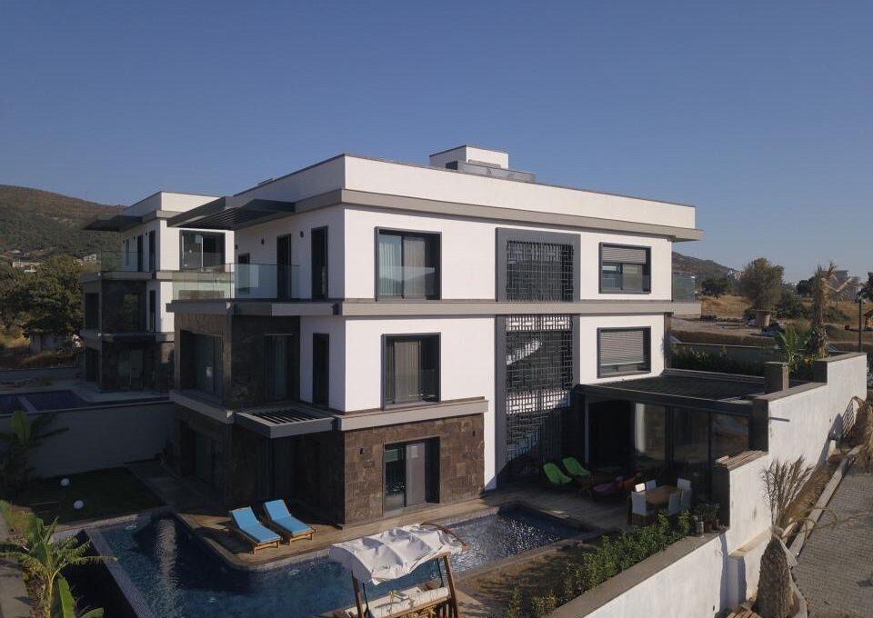 Luxusvilla in Izmir:Güzelbahce 24